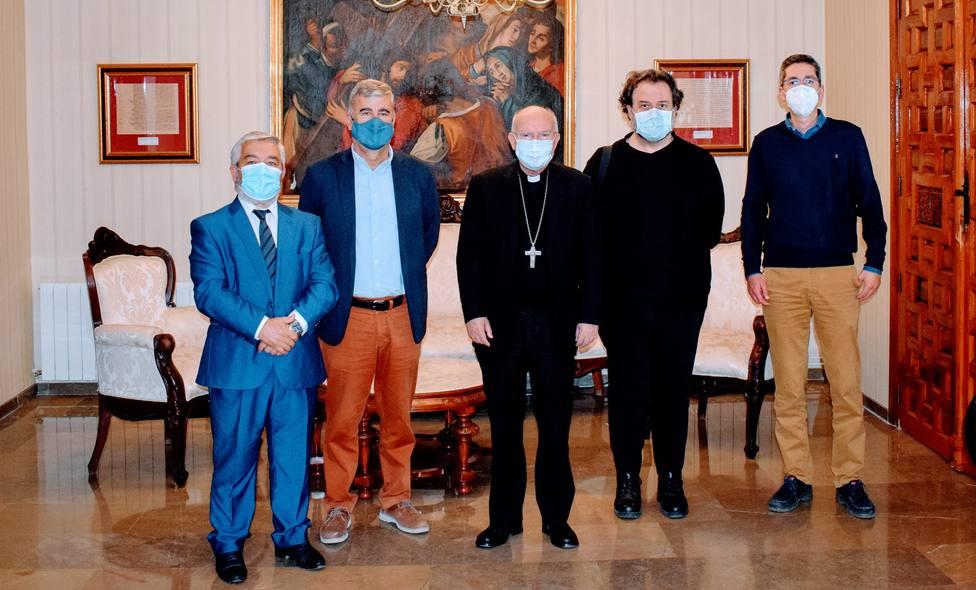 El Obispo recibe a la plataforma Jaén merece más