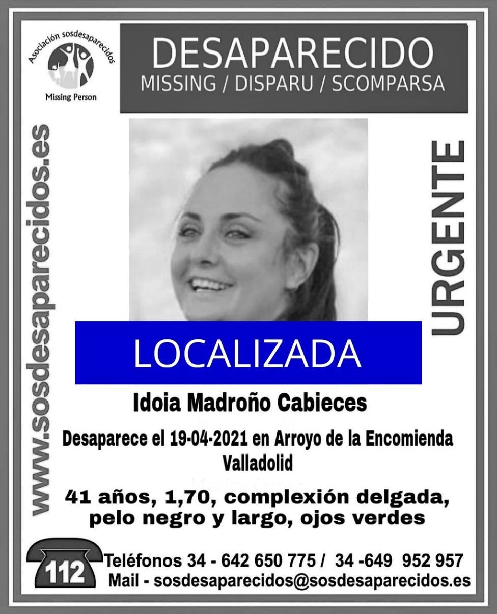 Cartel de SOS Desaparecidos informando de la localización de la mujer desaparecida en Arroyo de la Encomienda
