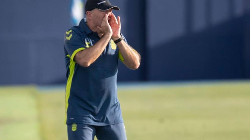 Pepe Mel, entrenador de la UD Las Palmas, durante un entrenamiento (IMAGEN: UD Las Palmas)