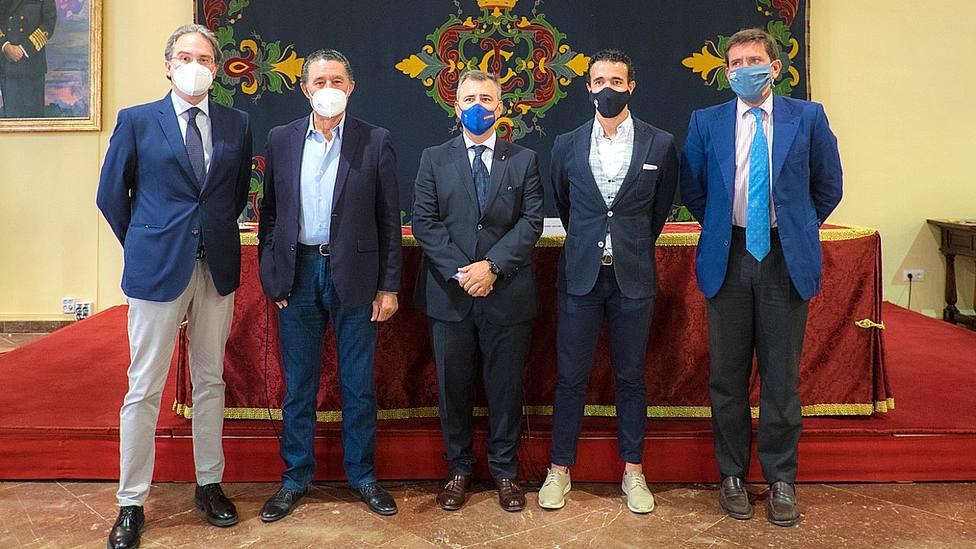 Acto de inauguración en Sevilla del ciclo Los toros en el Círculo