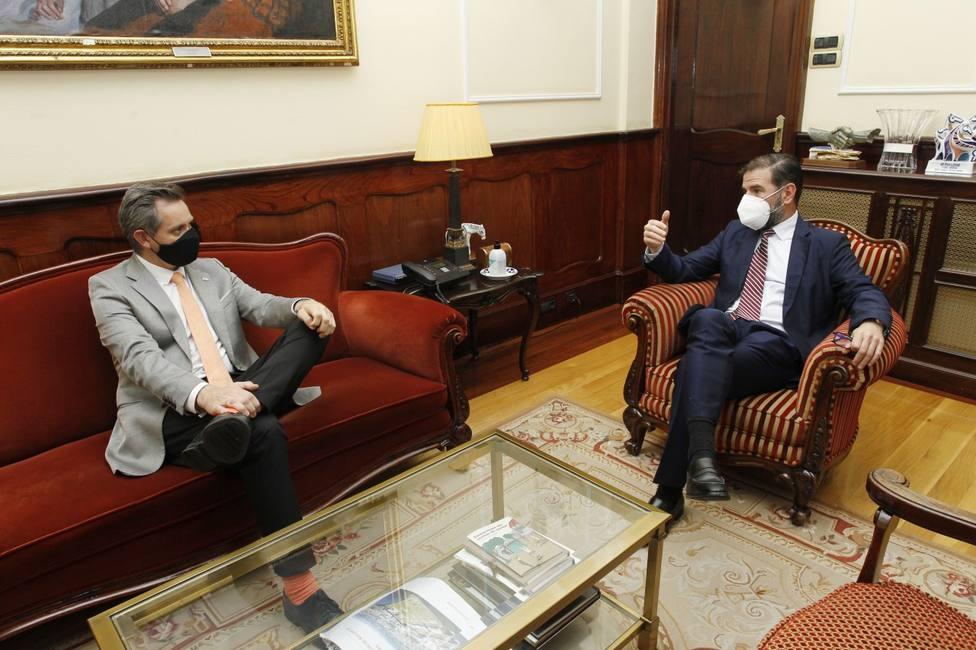 El delegado del Gobierno, José Miñones, en su encuentro con el alcalde de Ferrol