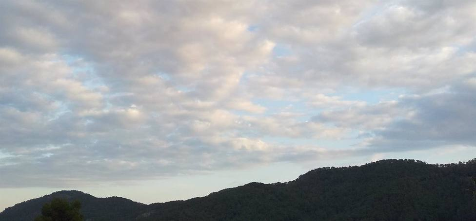 El fin de semana comienza con chubascos matinales en la Comunitat que irán abriéndose y máximas en descenso