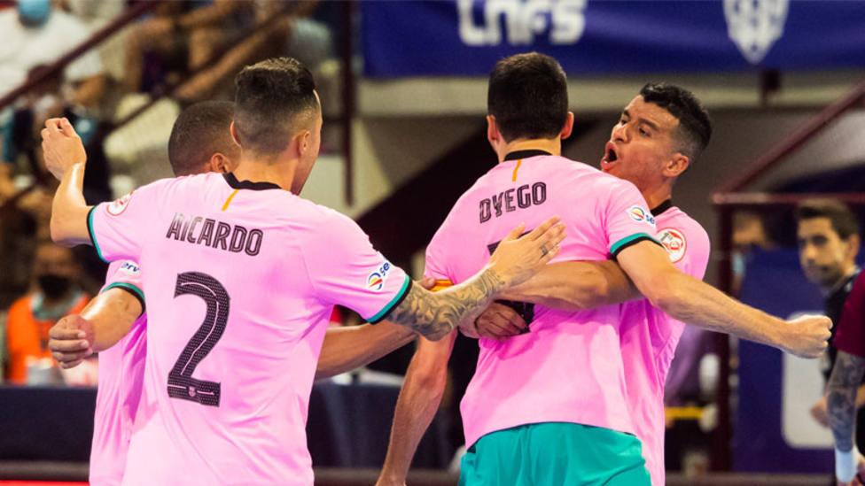 El Barça fuerza el tercer partido y la liga se decidirá el miércoles en el Palau Blaugrana