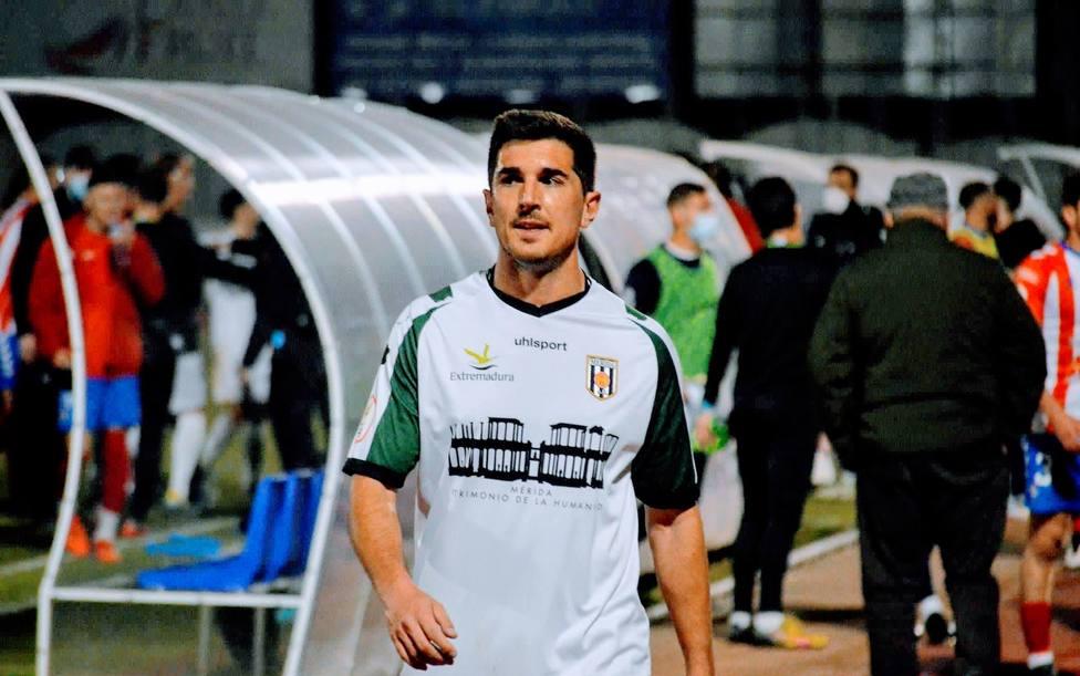 Álvaro Barbosa, nuevo jugador del Linares Deportivo