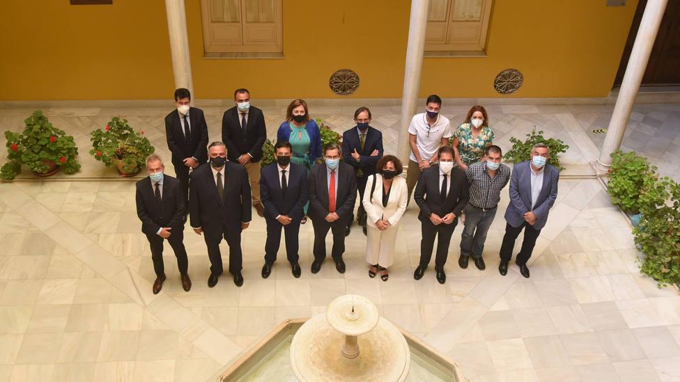 Se firma en Granada un manifiesto pidiendo que el Corredor Ferroviario Mediterráneo llegue al Puerto de Motril