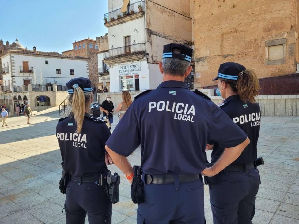 ctv-9ep-efectivos-de-la-policia-local-archivo-1030x773