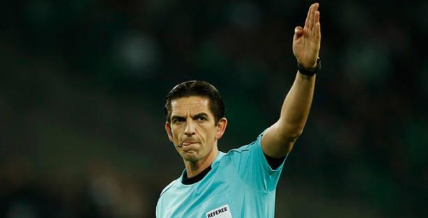 El alemán Deniz Aytekin arbitrará el Barcelona-PSG (FOTO - Reuters)