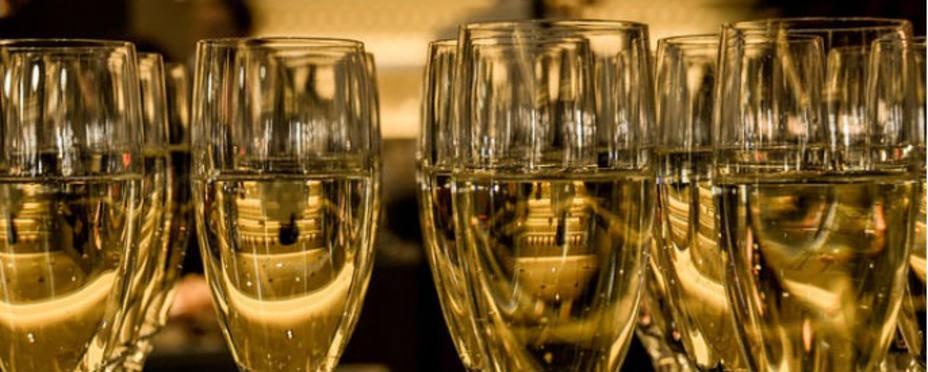 Varias copas de Champagne. Pixabay