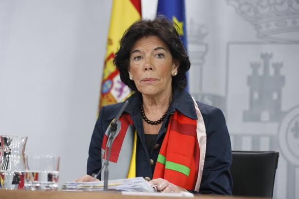 Celaá afirma que el nombramiento de Simó en el Consejo Escolar del Estado es una formalización de una previsión legal