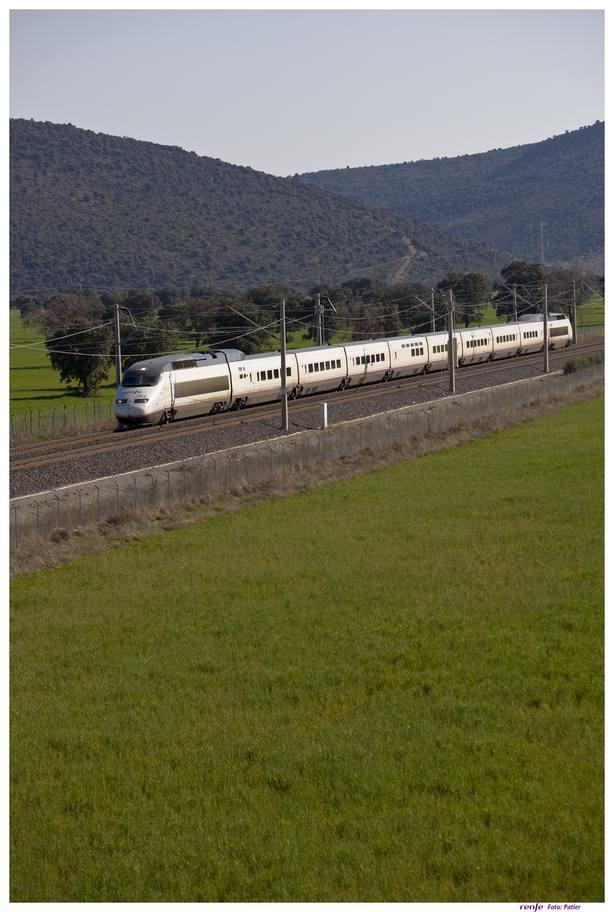 Los controladores ferroviarios, llamados a una jornada de huelga este miércoles víspera de Puente