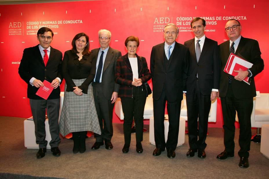 Directivos españoles presentan un código de conducta que aborda la legalidad e integridad de su profesión