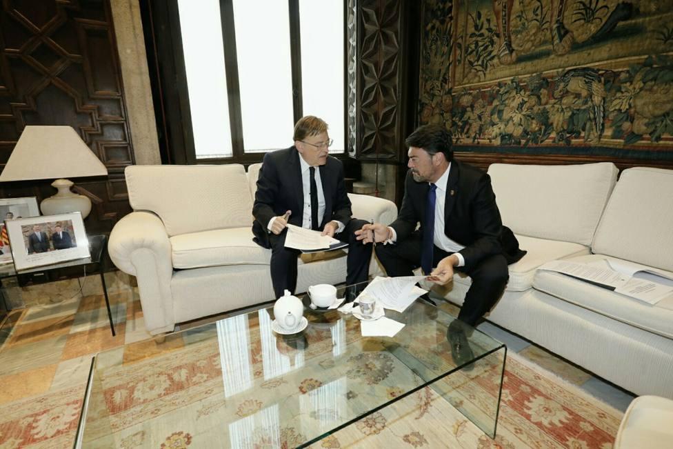 Reunión entre Luis Barcala y Ximo Puig (Ayuntamiento)
