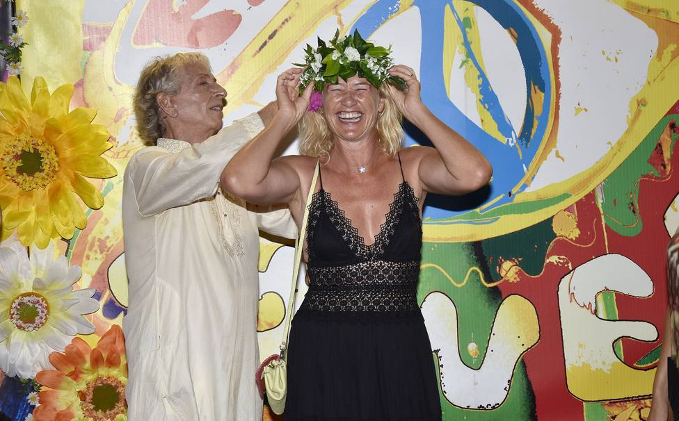 Las celebs se visten de blanco en la inolvidable fiesta Flower Power de Pachá Ibiza