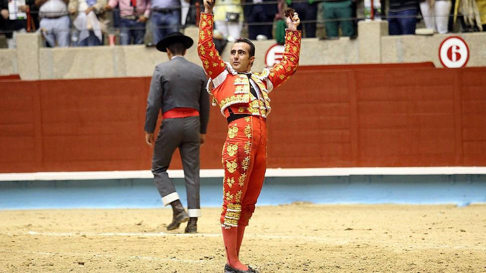 El Fandi, en una imagen de archivo en la plaza de toros de Pontevedra