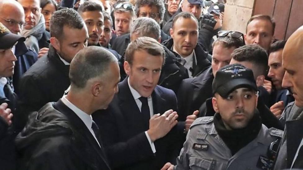 Macron abronca a policías israelíes en su visita a una iglesia francesa en Jerusalén