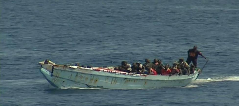 Un migrante muerto y cinco en estado grave tras rescatar una patera con 33 personas al sur de Gran Canaria