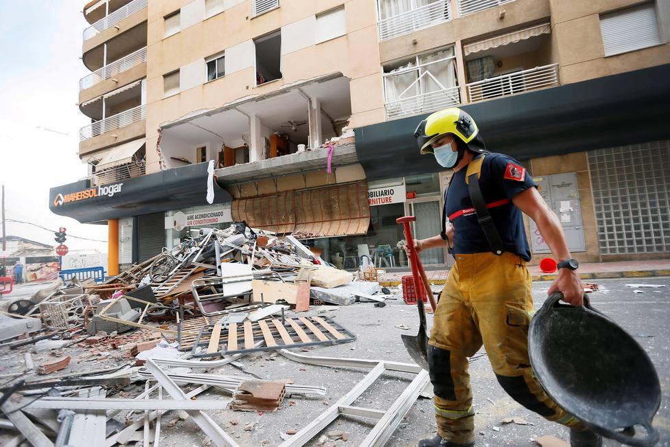 Los vecinos del piso de Torrevieja aseguran que el dueño amenazó con volar el edificio