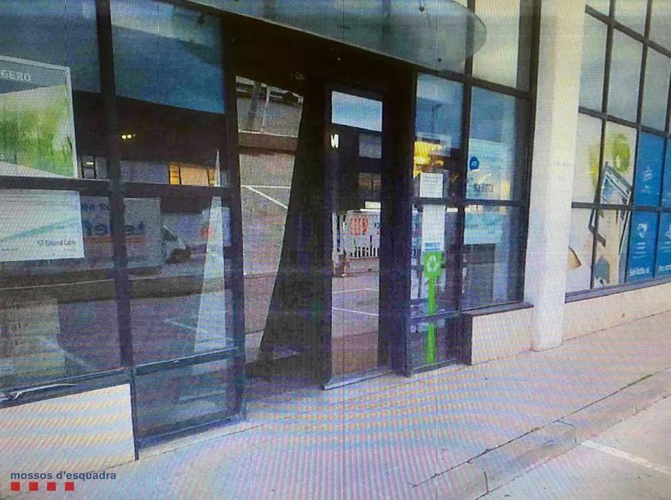 Sucesos.- Tres detenidos por presuntamente robar en una empresa de LHospitalet (Barcelona)