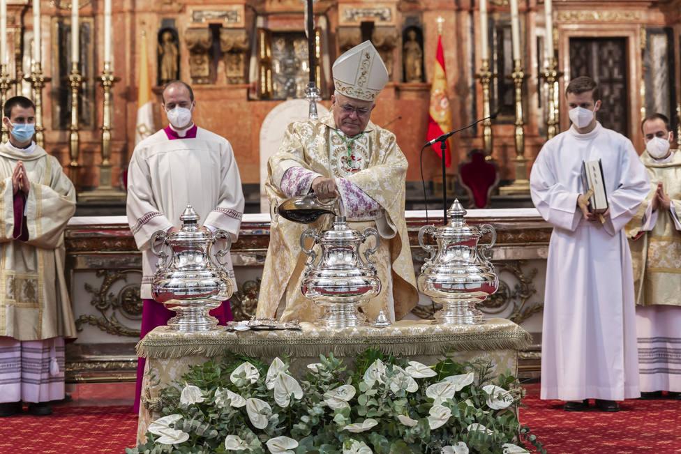 El Obispo de Córdoba preside la Misa Crismal en la Mezquita-Catedral de Córdoba