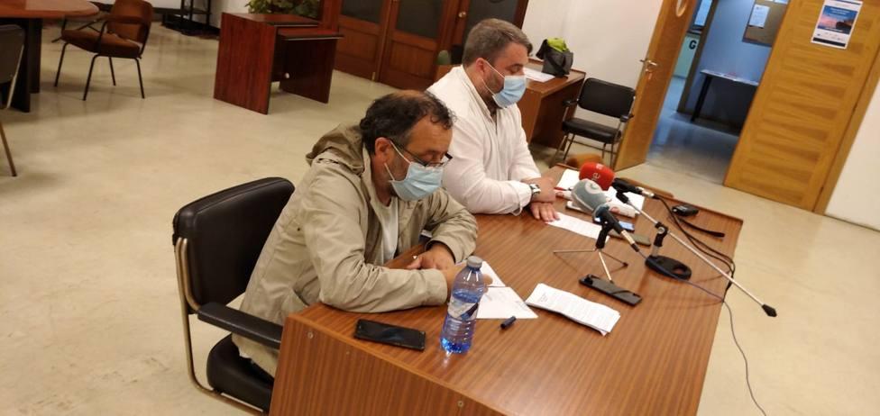 Manel Grandal y José Antonio Díaz durante la presentación de la movilización - FOTO: CIG