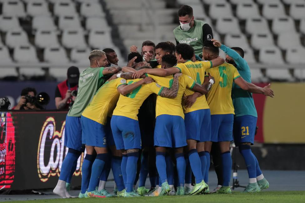 La Selección brasileña celebrando su pase a la final de la Copa América (EFE)