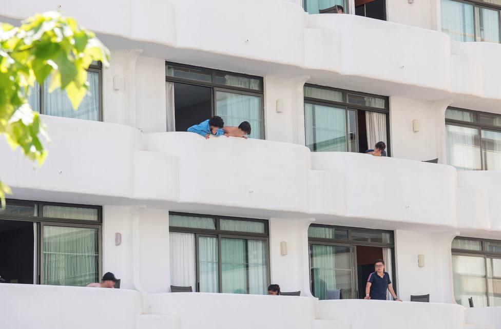 Imputan a la directora general de Salud Pública de Mallorca por el confinamiento de los estudiantes