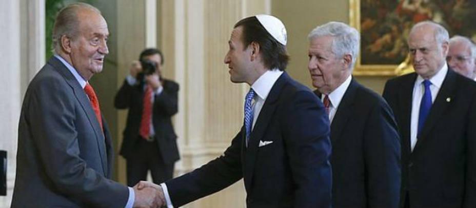 Sefardíes españoles en un acto con el rey Juan Carlos I. EFE