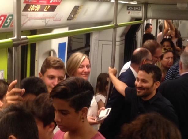Salvador en el metro con Marzá