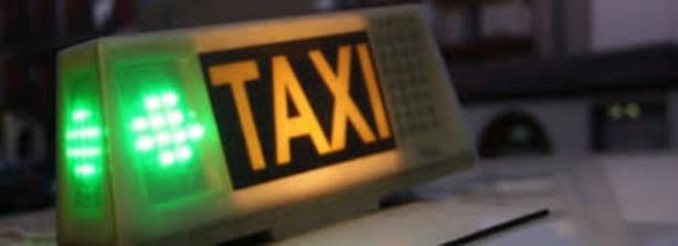 Detenidos dos menores por el robo y agresión a un taxista la noche de Reyes