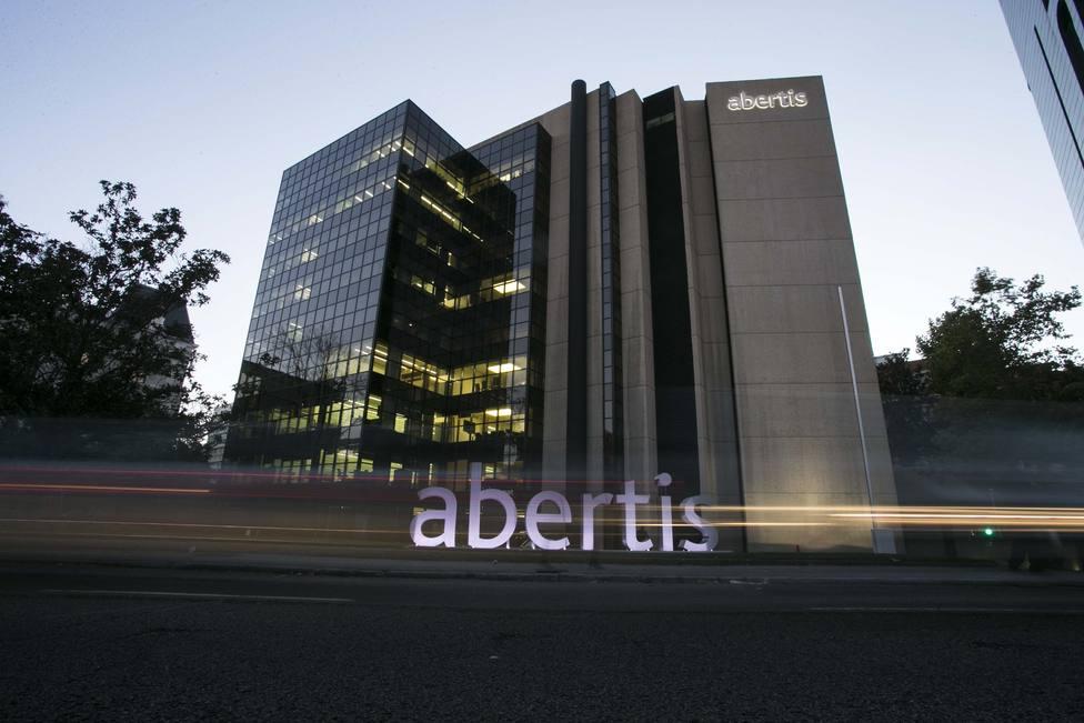 ACS y Atlantia pasan a Abertis el macrocrédito de 10.000 millones con que compraron la compañía