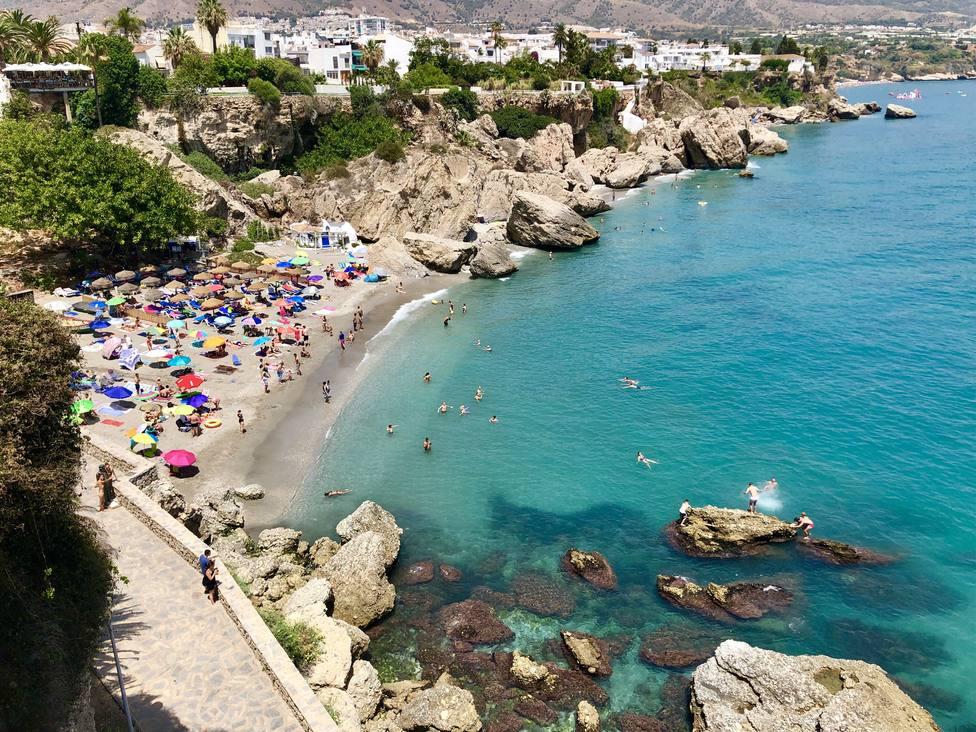 Cataluña, Comunidad Valenciana y Andalucía cuentan con el mayor número de playas con papeleras, según eltiempo.es