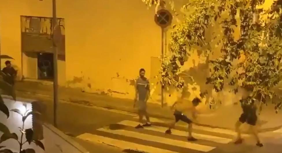El brutal vídeo de la pelea con katanas y machetes en las calles de Barcelona