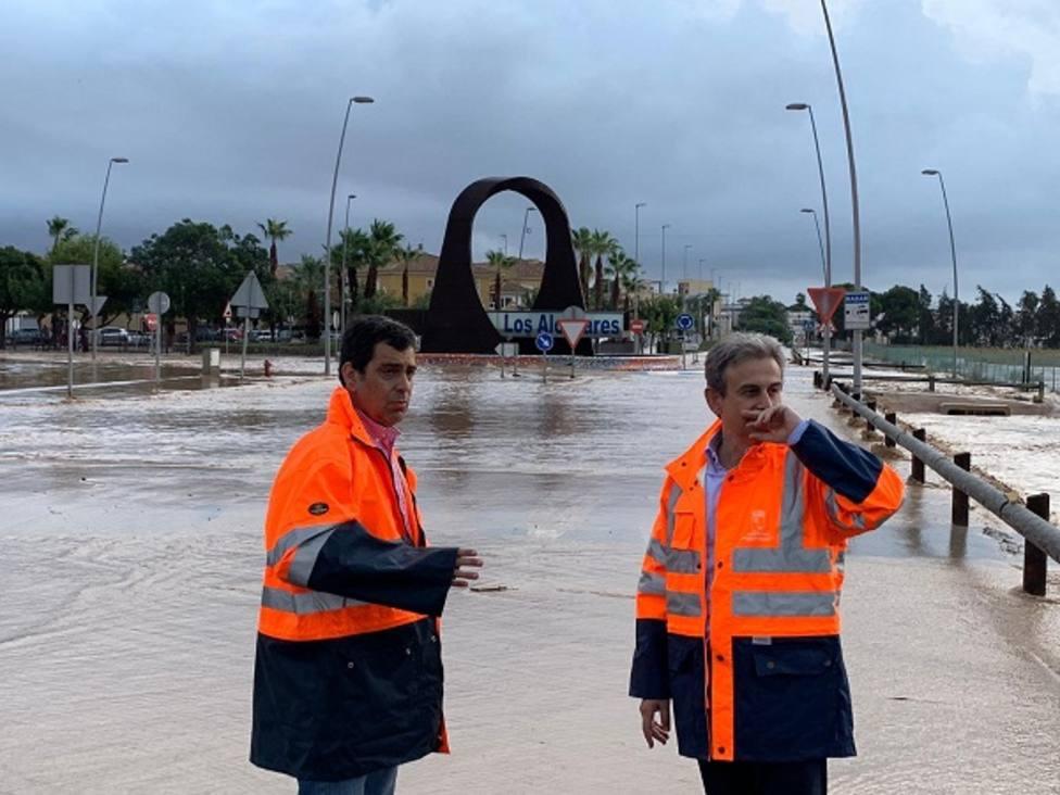 Amplían a 38 las carreteras regionales cortadas en Murcia por la lluvia