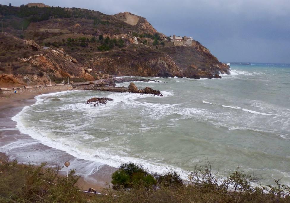 Olas de 3 metros y vientos de fuerza 7 este lunes en el litoral