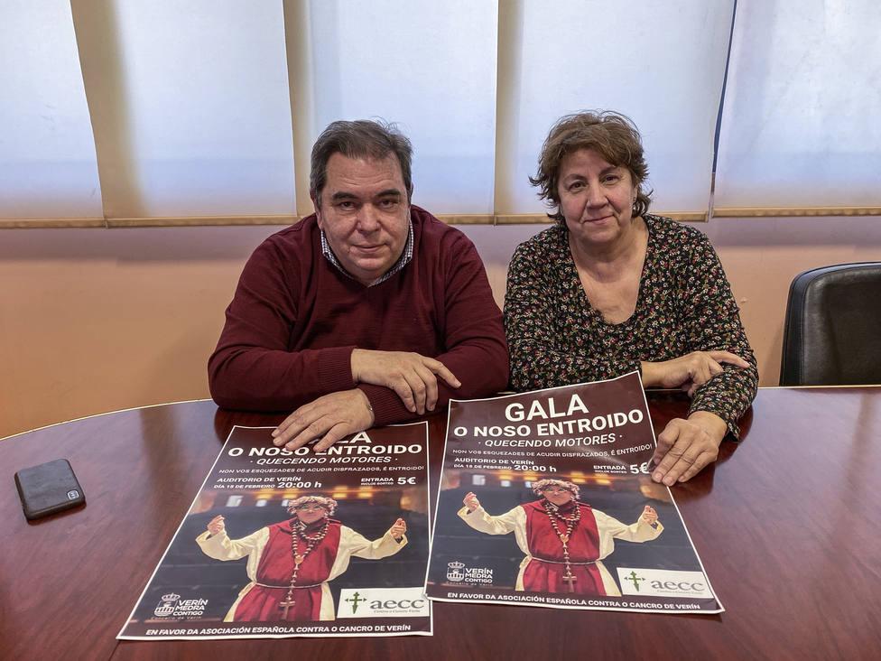 El alcalde de Verin, Gerardo Seoane, y la delegada de Cultura, Emilia Somoza, durante la presentación de la Ga