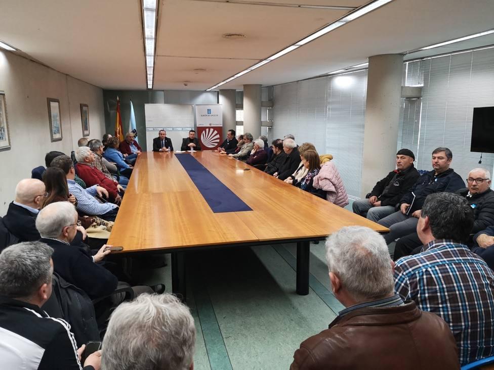 """José González se compromete con Galicia Baleira a revisar la """"burocracia"""" que lastra el rural"""