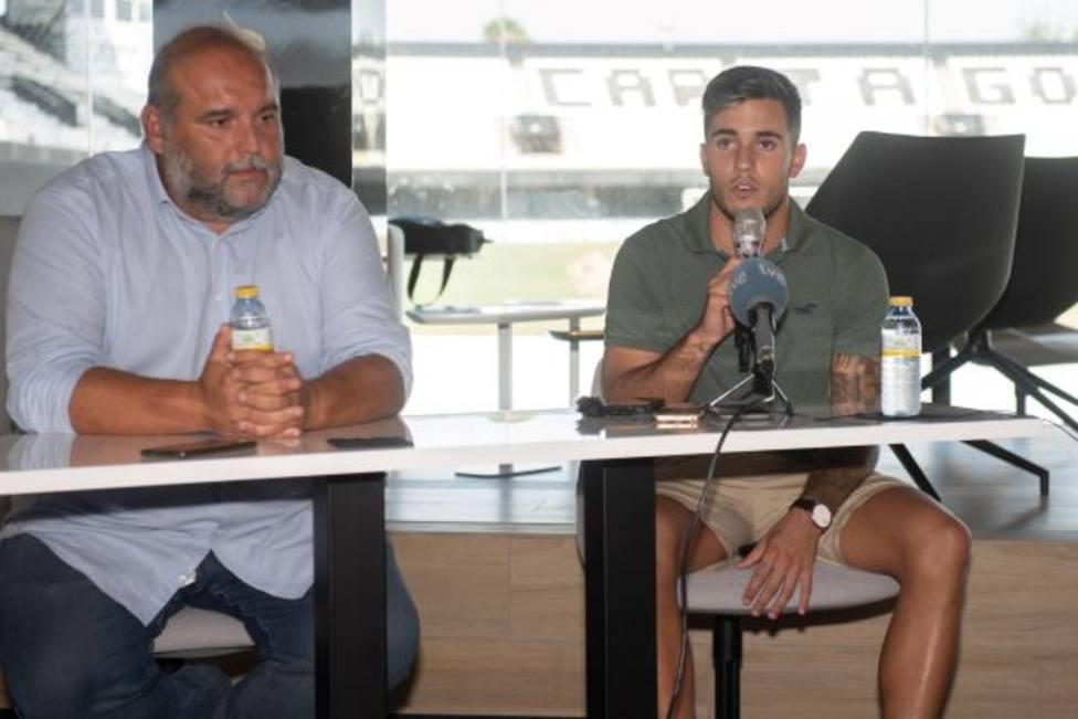 Simón Moreno: Llego con mucha ilusión al FC Cartagena