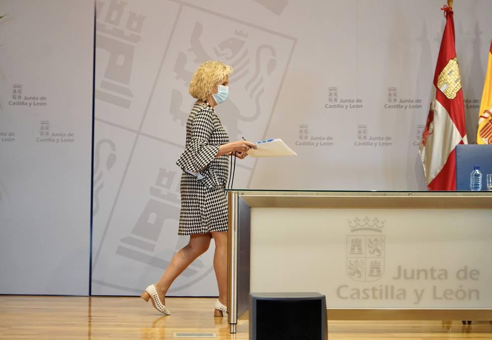 Verónica Casado, consejera de Sanidad, compareciendo en rueda de prensa