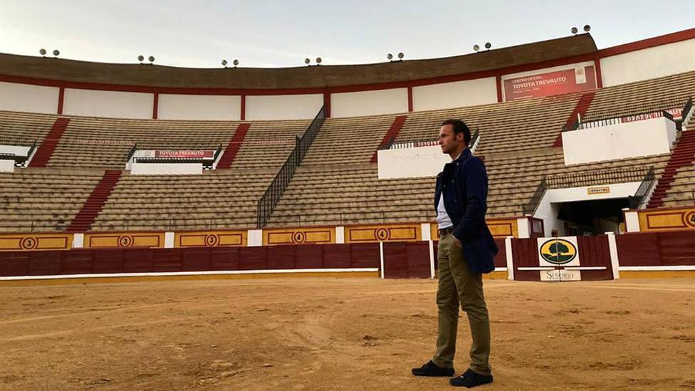 Antonio Ferrera en su visita a la plaza de toros de Badajoz, donde toreará este sábado