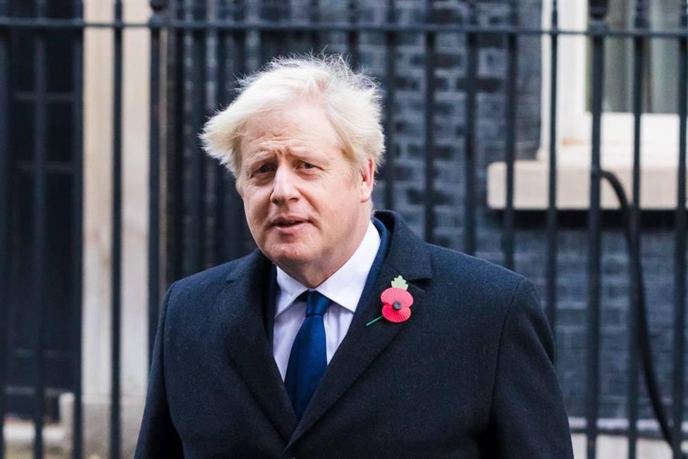 El primer ministro británico, Boris Johnson, aislado en su residencia oficial