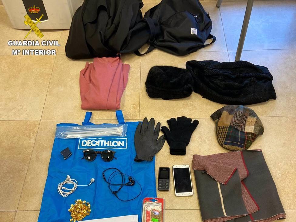 Objetos recuperados por la Guardia Civil.
