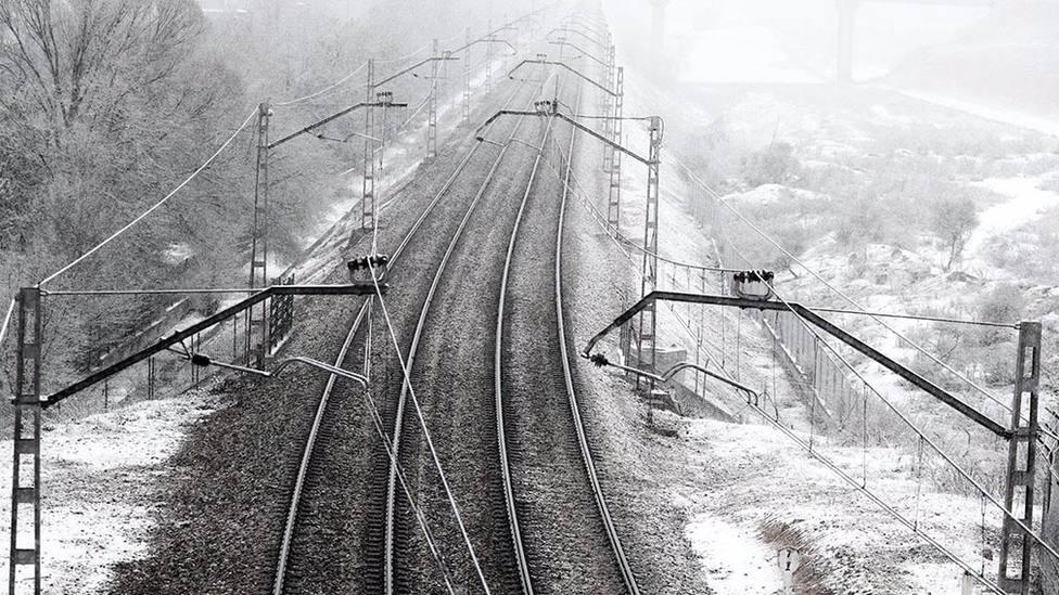 El servicio ferroviario de Pamplona a Madrid y Barcelona sigue suspendido y Renfe espera restablecerlo este martes