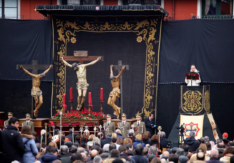 Sermón de las Siete Palabras en la mañana del Viernes Santo la Plaza Mayor de Valladolid
