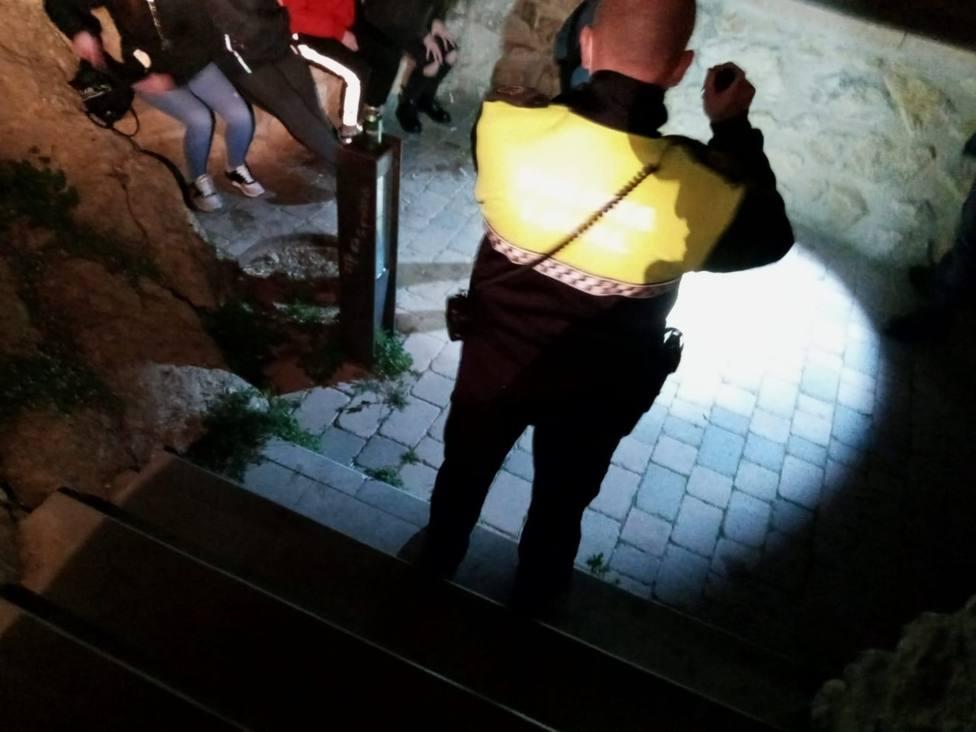 Policía Local de Lorca disuelve una fiesta con 15 personas e interviene en un salón de juegos
