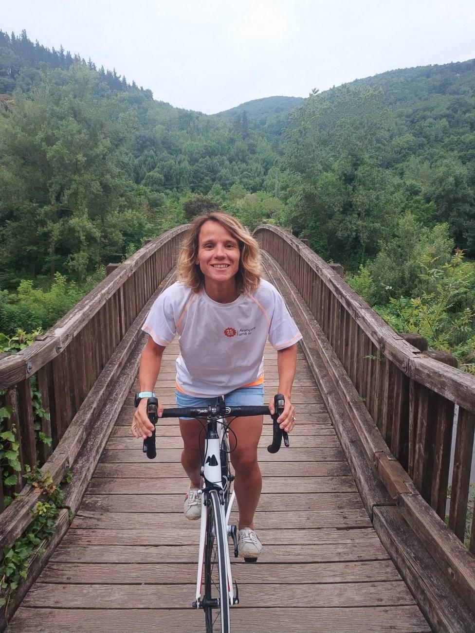 Angela López pedalea el 11 de junio contra el cáncer de mama
