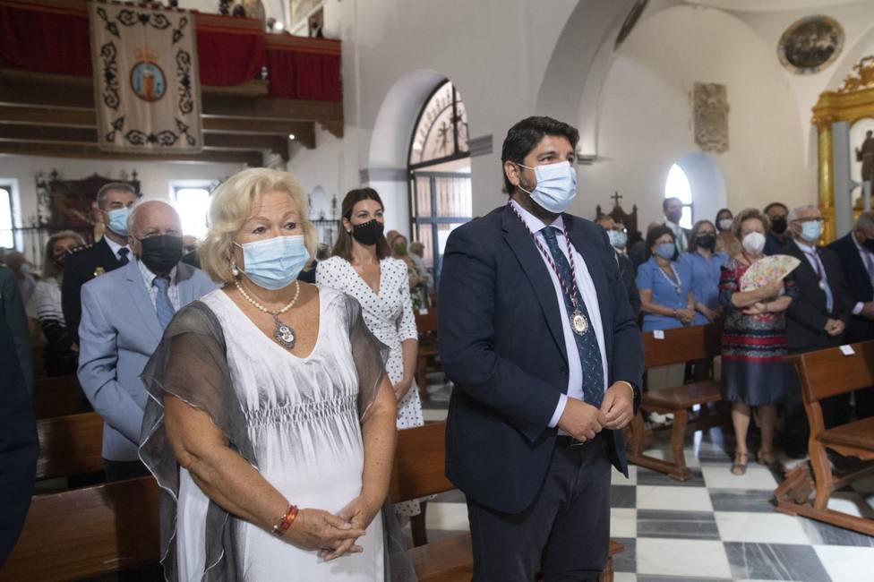 López Miras asiste a la misa en honor a la patrona de Lorca, la Virgen de las Huertas