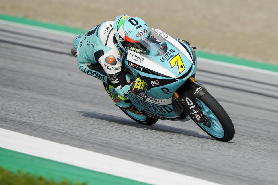 Foggia reina en Moto3 y García Dols anula el error de Acosta